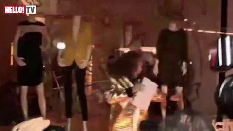Jennifer Saunder\'s humorous performance at Stella McCartney\'s store