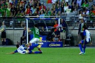 La brutal entrada de Alfredo Mejía a jugador de México