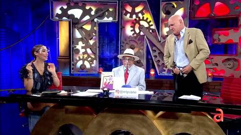 El Pible le dice a Carlos Otero que usa Pampers y Carlos Otero se baja los pantalones para demostrarle que no