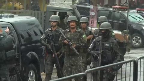 Gran operativo militar en las favelas oeste de Rio