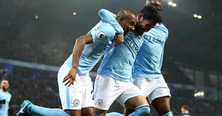 Manchester City goleó a Tottenham como local y extendió la racha a 16 victorias consecutivas