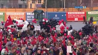 Adliye önünde balonla ayakkabı kutularını uçurdular