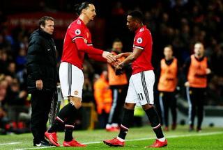 La ovación de la afición a Zlatan en su regreso al Old Trafford