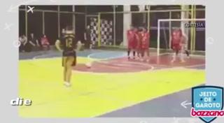 El mejor gol de tiro de libre en futsal que te dejará soprendido