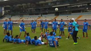 Selección de Honduras: Alegría de los muchachos sobre el césped del Nacional antes de la tercera sesión de trabajo