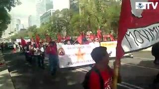 Marchan al Zócalo por el 1 de Mayo