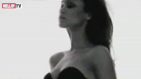 Behind the scenes at \'Avatar\' star Zoe Saldana\'s underwear shoot