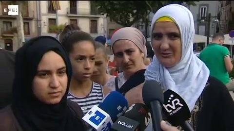 La madre y la hermana de uno de los terroristas abatidos,
