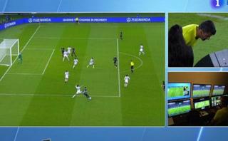 Todos vieron gol, menos el VAR en la segunda aparición de Al Jazira en la portería de Navas