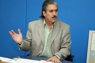 Vicente Williams se postula a la presidencia de Fenafuth