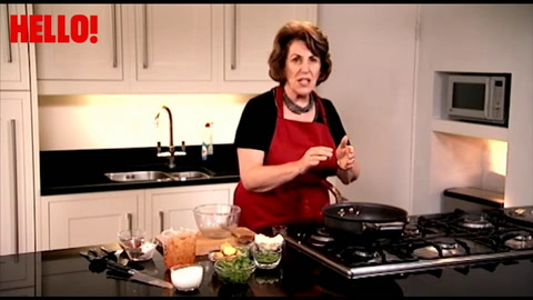 How to make a simple but tasty lamb curry with Edwina Part 2
