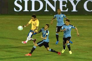 Neymar se luce con gol de vaselina ante Uruguay (3-1)