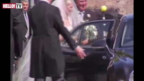Zara Phillips and Mike Tindall tie the knot in Cannongate Kirk