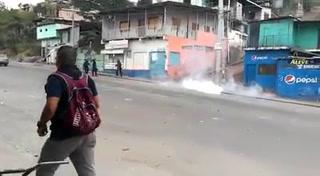 Persisten enfrentamientos en la colonia Villa Nueva de Tegucigalpa