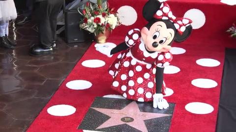 Minnie recibe estrella en Hollywood 40 años después que Mickey
