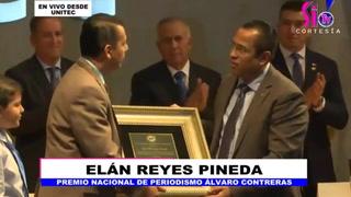 Elán Reyes Pineda recibe el premio Álvaro Contreras 2018