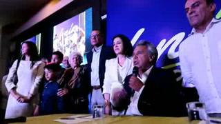 Candidato oficialista lidera elecciones de Ecuador