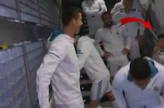 Cristiano Ronaldo a un niño en el túnel del Santiago Bernabéu: