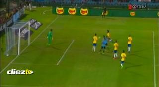 El tremendo error de Marcelo ante Uruguay que le salió caro a Brasil