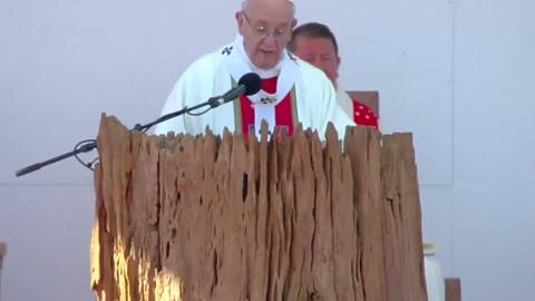 Mensaje del papa en tierra mapuche cala hondo entre fieles