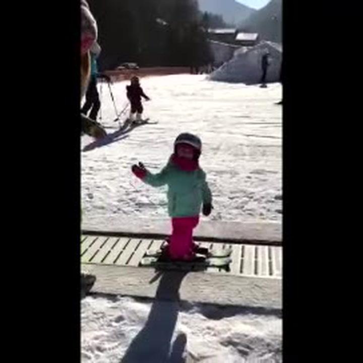 Arianna: sugli sci a 19 mesi!