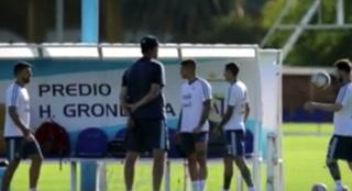 La exhibición de Lionel Messi y Agüero en el entrenamiento de Argentina