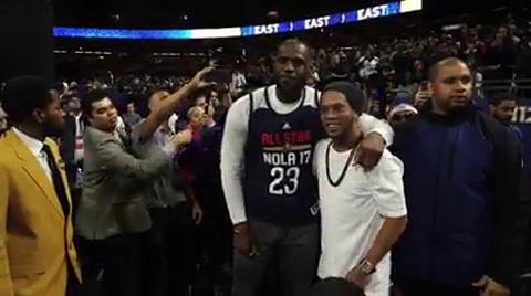 Ronaldinho conoce a LeBron James y otras estrellas de NBA