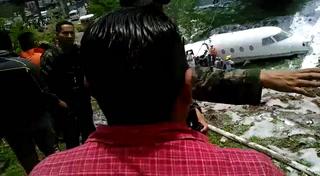 ¡Médicos, médicos! gritaban cuando cayó la avioneta en Toncontín