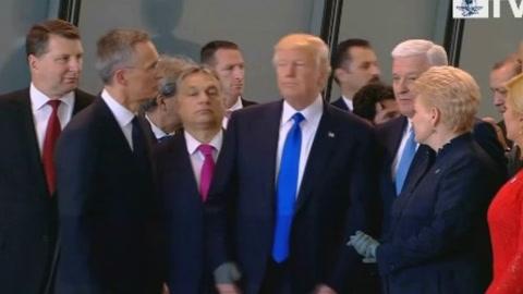 Video de Donald Trump empujando al primer ministro en la OTAN se vuelve viral