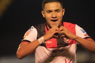¡GOLAZO!  Roger Rojas anota su onceavo gol con el Alajuelense