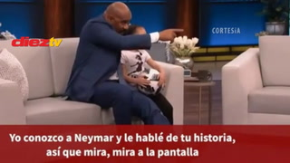El detallazo de Neymar con una pequeña niña futbolista en el plena trasmisión en vivo