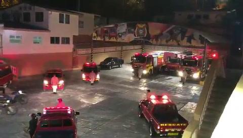 Sirenas de dolor: El homenaje a los bomberos fallecidos