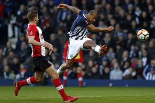 Sello latino: Rondon la rompe en la FA Cup con golazo de volea