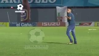 Increíble: Un aficionado ingresó al estadio Morazán con un cuchillo