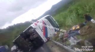 Accidente de tránsito en Ecuador deja hasta el momento 10 muertos