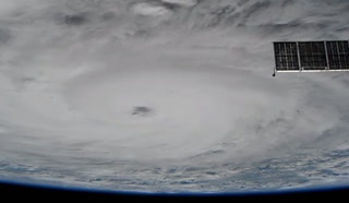 La Estación Espacial capta al huracán 'Harvey'