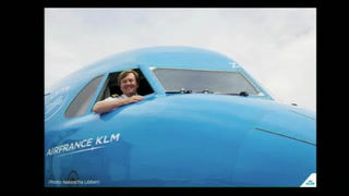 El rey Guillermo de Holanda pilotea vuelos de incógnito