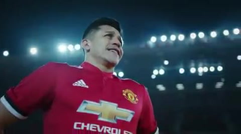 Manchester United hace oficial el fichaje de Alexis Sánchez