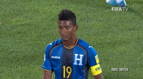 El terrible error del portero de Honduras en gol de Nueva Zelanda
