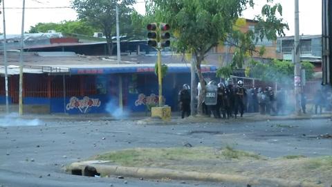 Ola de protestas deja más de 20 muertos y sume a Nicaragua