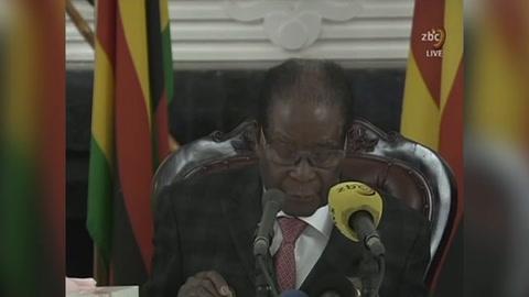 Mugabe se abstiene de renunciar como presidente de Zimbabue