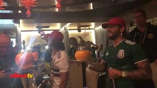 Maluma se viste con la camisa de México y festeja triunfo ante Alemania