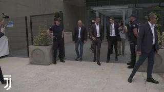 Espectacular recibimiento de afición de la Juve a Cristiano Ronaldo