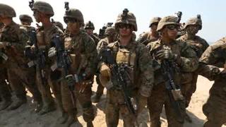Trump prohíbe que transexuales sirvan en el Ejército