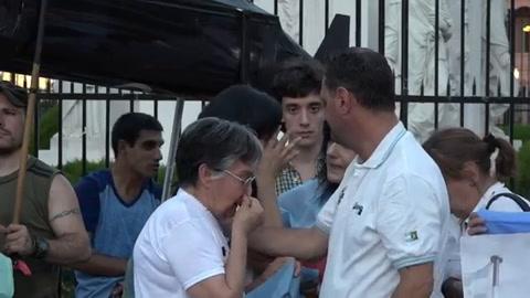Familiares marchan a un mes de desaparición del submarino