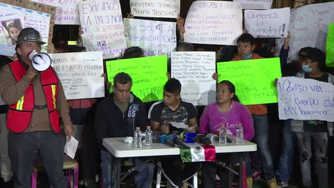 Familiares de víctimas de sismo en México exigen información