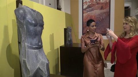 Egipto expone los secretos de la excavación que busca a Cleopatra