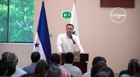 Luis Zelaya presenta plan de gobierno a empresarios