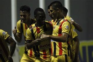 Real España derrota 3-0 al Vida y clasificar en cuarto lugar