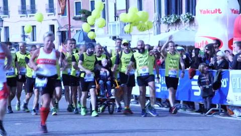 Venice Marathon, festa in corsa